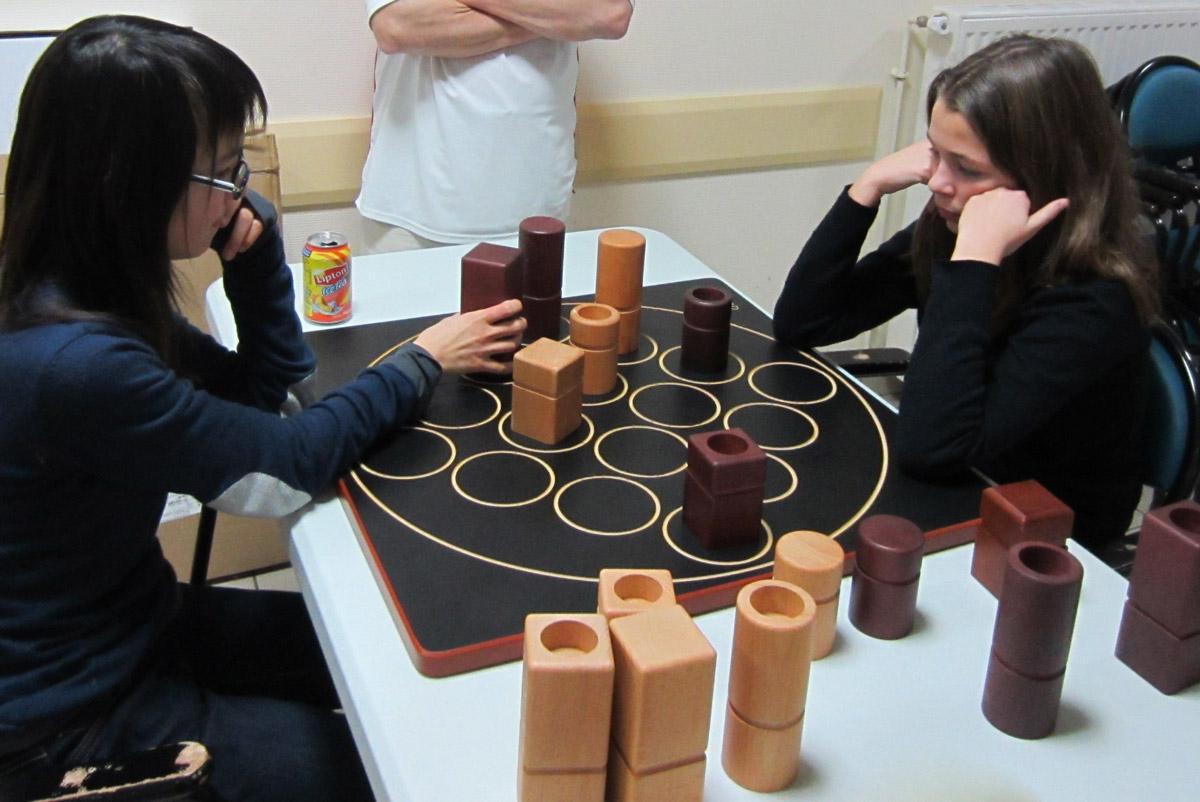les tables d olonne association de jeux de soci t en vend e 85 g ant. Black Bedroom Furniture Sets. Home Design Ideas